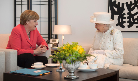 As it happened: The Queen's first day in Berlin