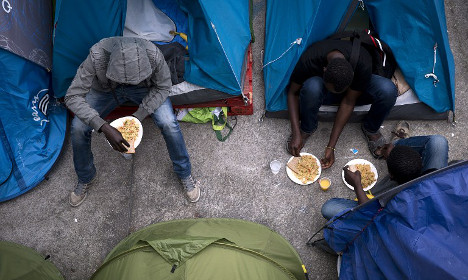 France to add housing for 10,000 migrants