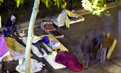 Paris mayor: 'Migrants can't sleep on the street'
