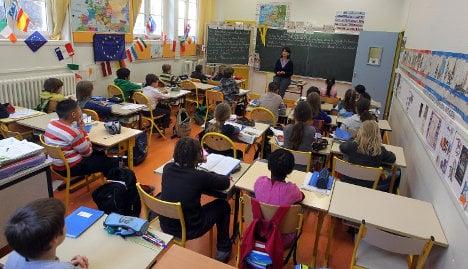 Parents protest changes to Paris bilingual schools