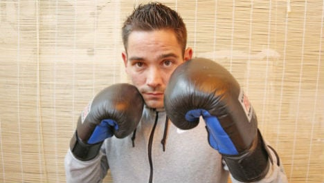Former boxer sues for prison bunk bed injury