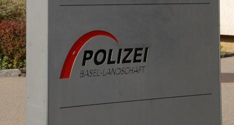 Getaway car drags Basel cop at French border