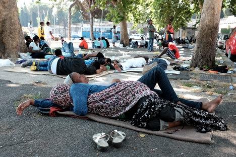 Migrants flee Rome's Tiburtina after police raid