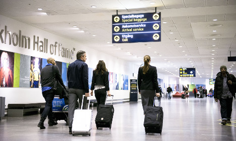 Suspect drone stops Stockholm air traffic