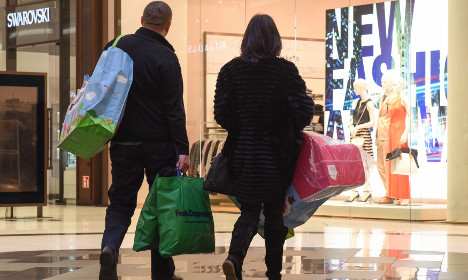 Greece scares consumers off spending