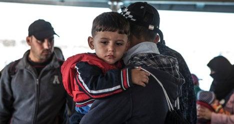 Frontex opens Sicily hub to tackle migrant crisis