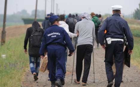 Berlin scolds Hungary on refugee rules breach