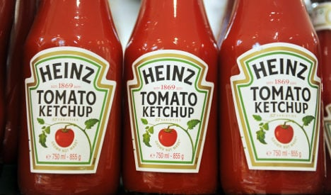 Woman fakes death with ketchup to dodge lover