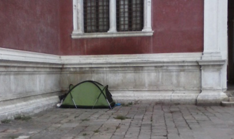 Tourists pitch tents in Venice historical centre