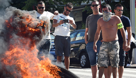 'French public should support their taxi drivers'