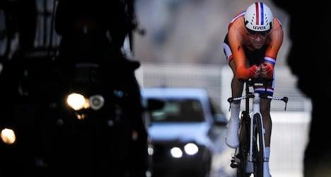 Dumoulin holds on to Tour de Suisse lead