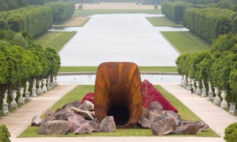 Artist's fury as Versailles 'vagina' vandalised