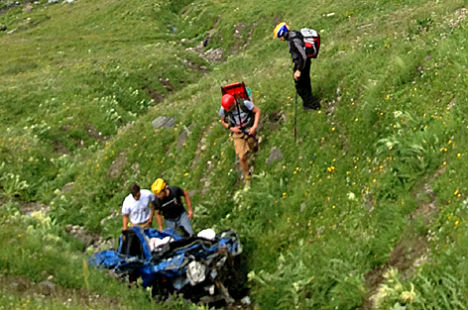 Two Britons killed in mountain road crash