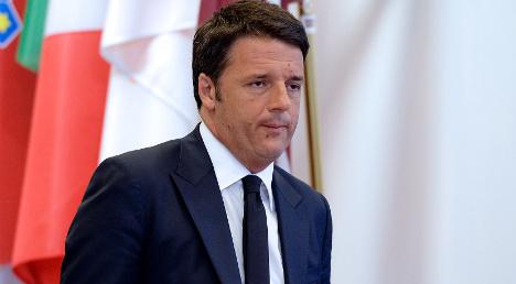 Renzi pledges tax cuts 'in pact with Italians'
