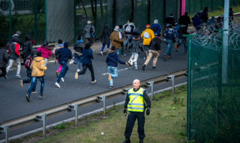 British press bashes France over Calais crisis