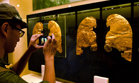 Paris 'dropped trousers' to return Chinese gold