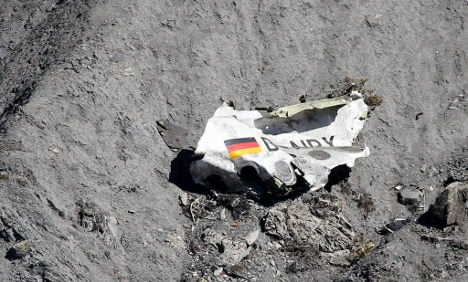 Lufthansa defends crash compensation offer