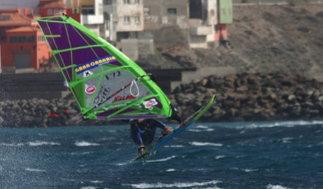 Diver killed in collision with Swiss windsurfer