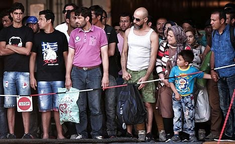 Smugglers help refugees compare welfare benefits