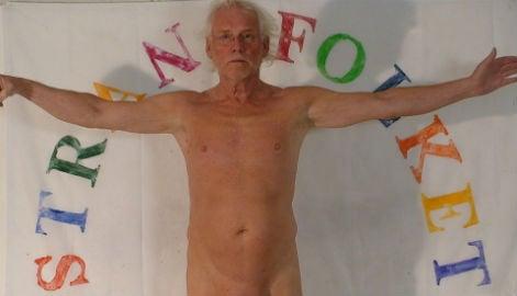 Norway artists' naked flash-mob stunt backfires