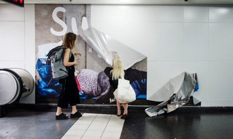 Swedish anti-begging posters taken down