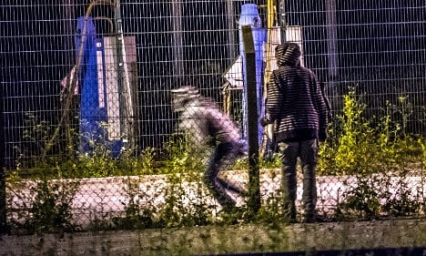 French and British back sending army to Calais