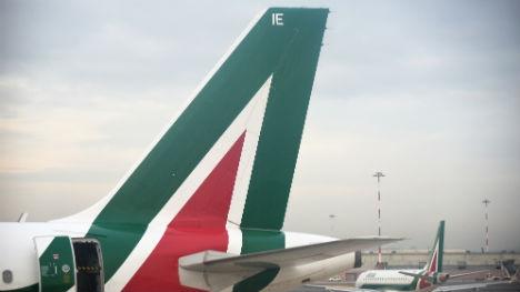 Alitalia plane struck by lightning