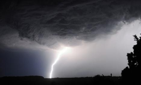 Storm warnings spread across western France