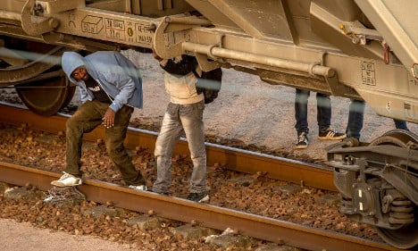 Migrant bids to enter Channel Tunnel falling