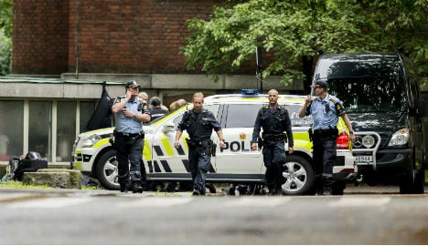 Bomb scare and shooting at Oslo Uni