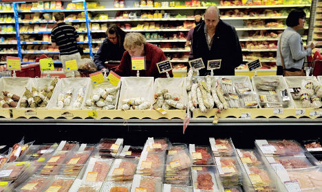 Russia tightens screws on French retail chain