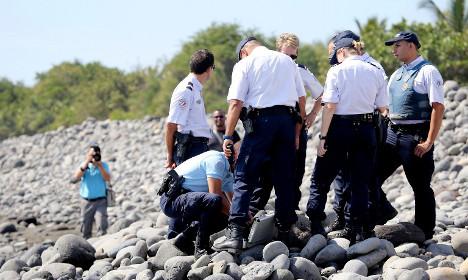 Experts meet in Paris over Boeing 777 debris