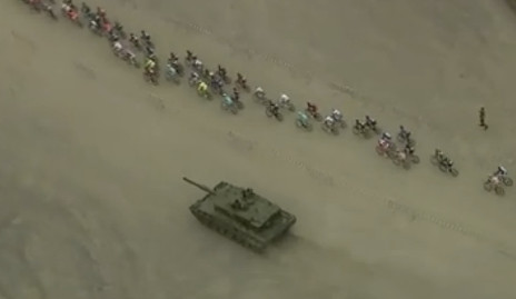 Tank surprises cyclists during Norway race