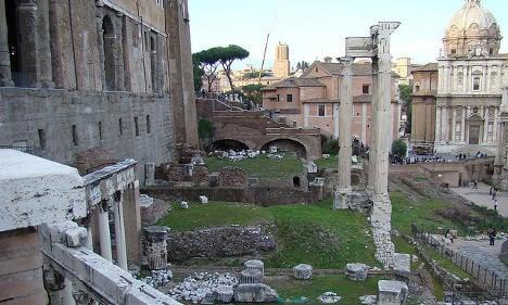 Italy slammed for 'faking' Roman ruin