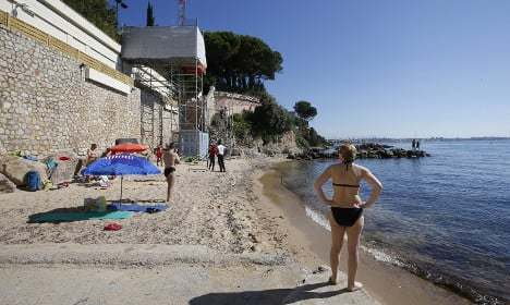 French beach re-opens to public as Saudis leave