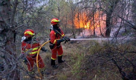 Wildfires force hundreds out of homes in Spain