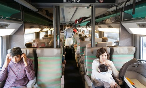 New plan to get shy French chatting on trains