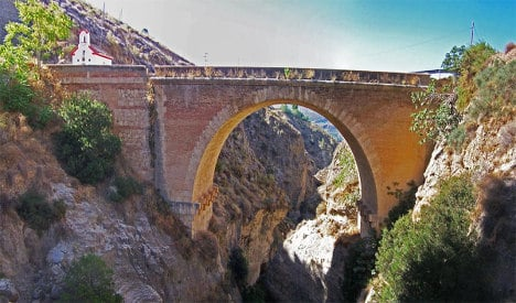 Two face charges over Spain bungee jump death