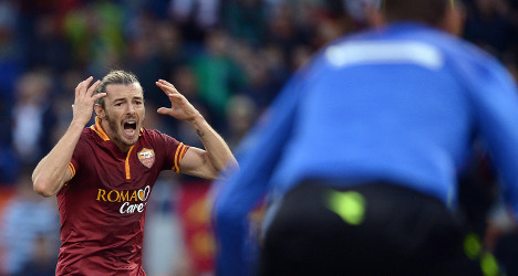 Roma's Balzaretti retires over groin injury