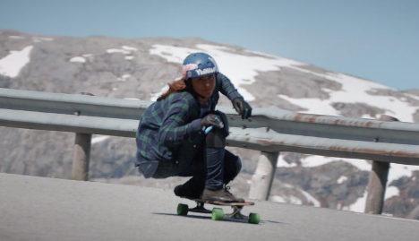 Stunning footage of girls skating Norway peaks