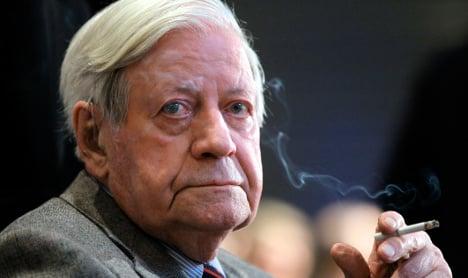 Germany's No 1. smoker goes cold turkey at 96