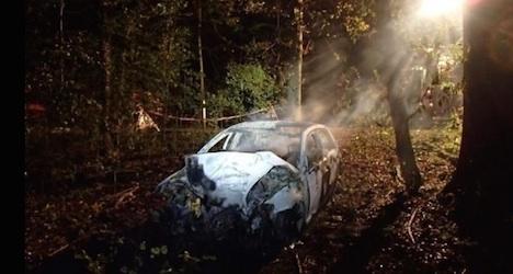 Lamp-post crash kills five and injures two