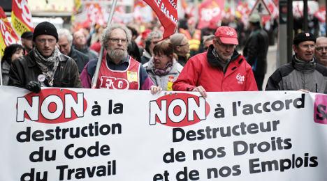 France vows to reform 'unreadable' labour laws