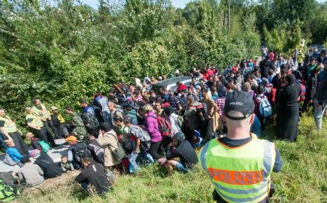 Minister moots asylum checks at German border