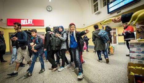 Interior minister aims to toughen asylum law