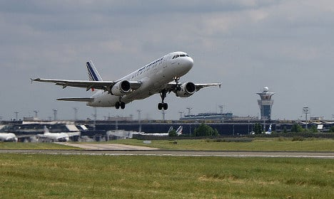 Air France threatens to cut flights and workers