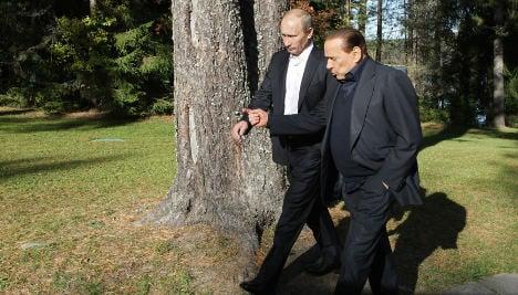 Ukraine bans Berlusconi over Crimea visit