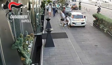VIDEO: British tourist mugged for €35k watch