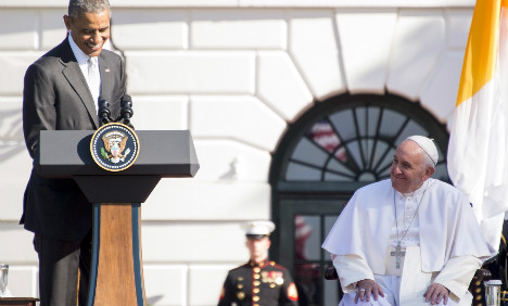 Obama welcomes pope to the White House