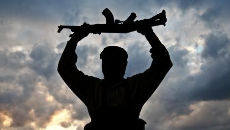First French air strike in Syria 'kills 30 jihadists'